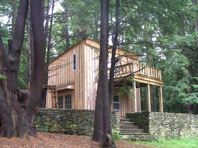 Rustic Cabin And Studio Secluded In Pine Forest Off the Grid