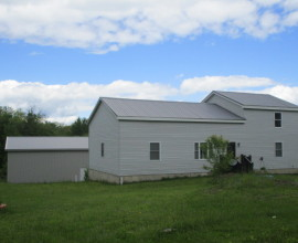 Well Maintained Country Home on 15 acres!