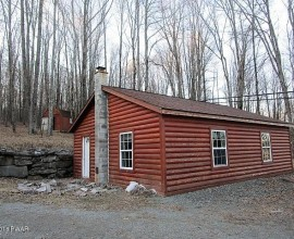 H84 - COMMERCIAL GARAGE/GUEST HOUSE ON 5.8 ACRES