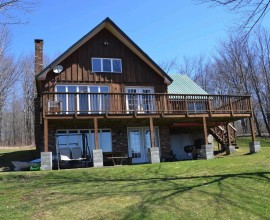H70 - LAKE LOVERS DREAM PROPERTY!