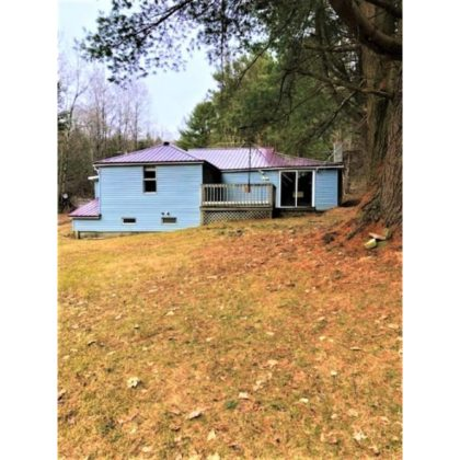 H44 -Year round, country home with 3 bedrooms, 1 bath site on 1/2 acre