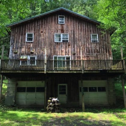 Country home with great bones on 3.5 acres